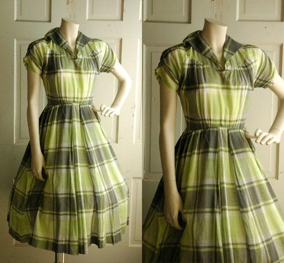 1950s Shirt Dress /  Vintage Plaid Spring Dress