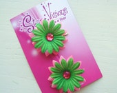 CHRISTMAS SPECIAL - Set of 2 Hot Pink and Kelly Green Mini Daisy Bling Hair Clips