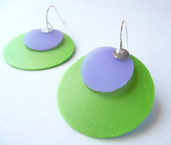 Recycled Plastic Circle Earrings light purple\/lime green\/silver