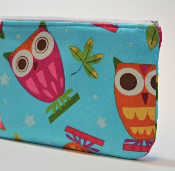 SALE  -  Gadget Bag - Padded Zipper Pouch - Hoot Owls