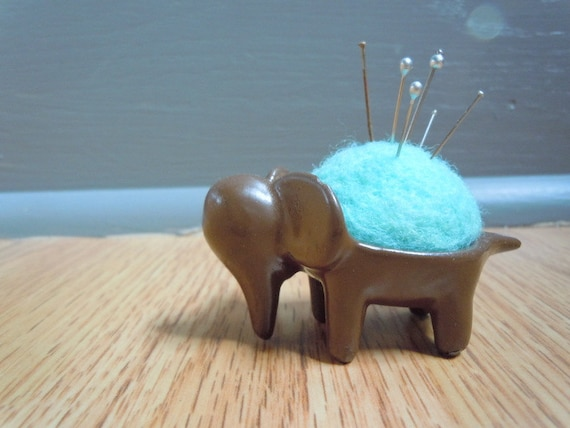 Vintage Tiny Elephant Pin Cushion