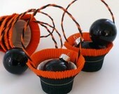 6 Black and Orange  HALLOWEEN Crepe Paper Party Favor Basket Nut Candy Cups USA