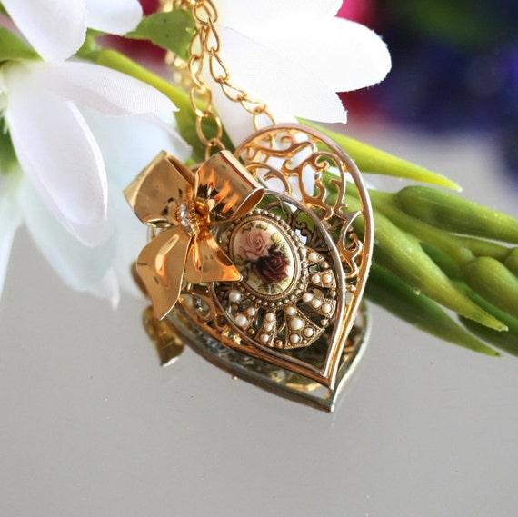 Gold Necklace, Vintage Necklace, Rose Necklace, one of a kind