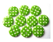 15 Plastic buttons green with white dots 15mm