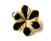 2 Vintage buttons flower shape enamel metal buttons beautiful for button jewelry 22mm