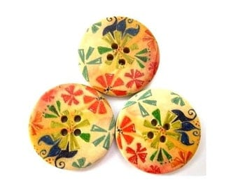 6 Wood  buttons, painted flowers, 30mm, for button jewelry, scrapbooking, bags, crafts