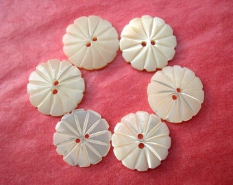6 Buttons,Shell,  flower shape, antique  vintage, suitable for button jewelry, 18mm