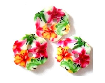 2 Shell buttons,might be vintage, flower shape, colorful floral design, 18mm, beautiful