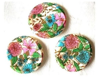 5 Vintage plastic buttons white with colorful flowers 20mm