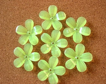 15 flowers beads, 30mm, green, 5 petals, acrylic