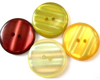 24 Buttons, vintage, plastic, 4 earth colors, beautiful buttons, 30mm