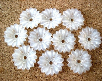 20 Vintage beads, flowers, translucent flexible plastic, RARE, 16mm