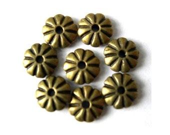 30 flower beads untique metal brass 7mm
