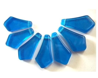 7 Vintage beads, lucite dangling beads beautiful blue, large, 23mm