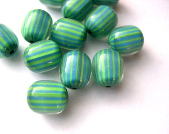 10 Vintage beads green with blue lines lucite plastic 12mmX10mm