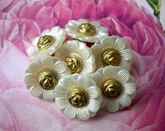 6 Vintage flowers buttons pearlized white lucite plastic with gold color center 20mm