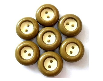 6 Vintage buttons olive green plastic with white center 17mm, high quality