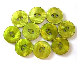 10 Vintage buttons green plastic 15mm