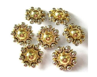 6 Vintage flowers buttons gold color with silver color 24mm
