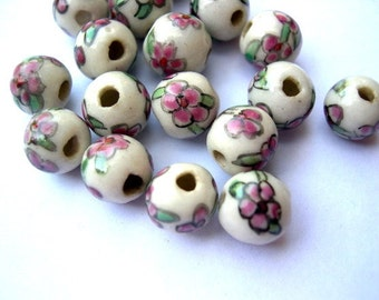 15 Ceramic beads, vintage ceramic glass beads, handpainted pink flowers 10mm