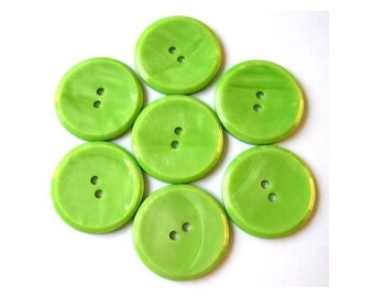 6 Vintage plastic buttons light  34mm beautiful green suitable  for button jewelry