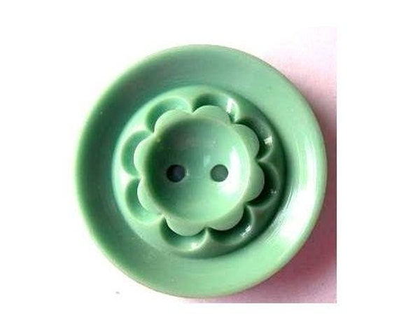 Vintage buttons, 2 buttons, green plastic buttons, big, flower ornament