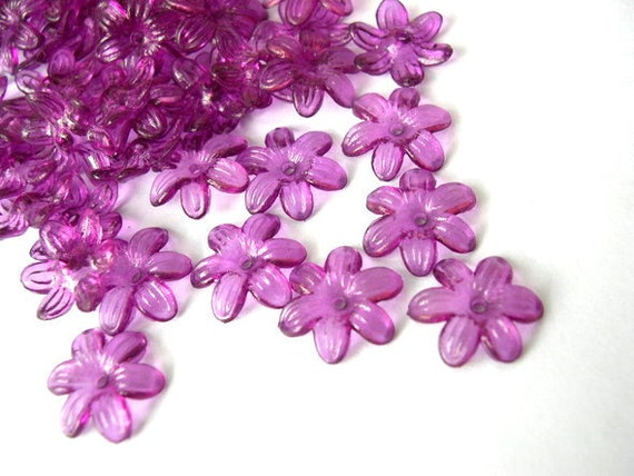 30 Beads, violet flowers, vintage, lucite, translucent, 14mm