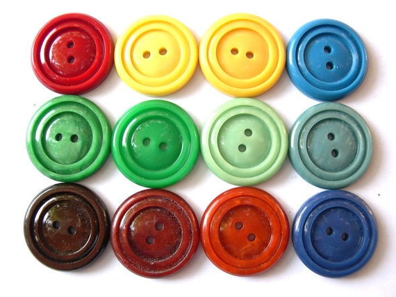 52 Vintage buttons plastic in 13 colors 22mm