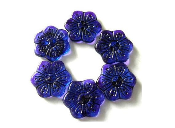 6 Vintage buttons flower shape hand painted in purple czech 16mm, for button jewelry