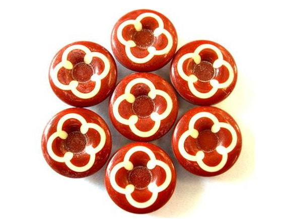6 Vintage buttons plastic white flower on unique color, 20mm