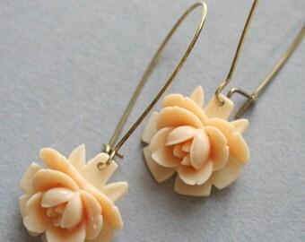 French Vanilla Earrings Flower Earrings