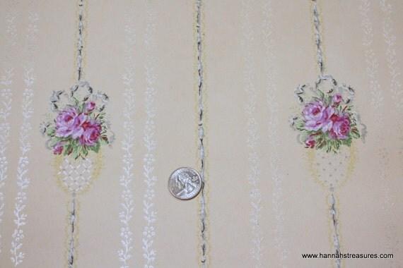 1900's Vintage Wallpaper  tiny purple rose bouquets