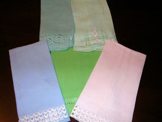 5 vintage Tea Guest Hand Towels Great Pastel colors embroidery Hemstitching  ...T20