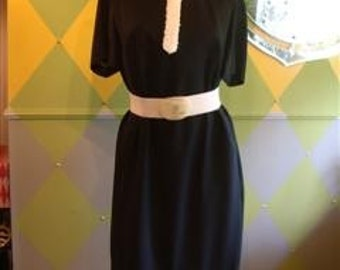 Vintage 60s Dress, Classy, Classic,Metal Zip, M to L, Lined