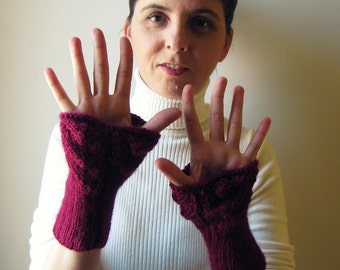 SALE - Fingerless Gloves: Wrist Cuff Knitted in Burgundy Wool