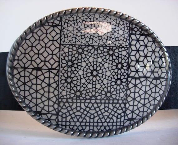 Jada Belt Buckle - Labyrinth 2 - Oval Wearable Art
