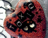 TOXIC BOMBSHELL - Red Glitter Necklace