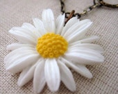 White Daisy and Oval Brass Rings necklace