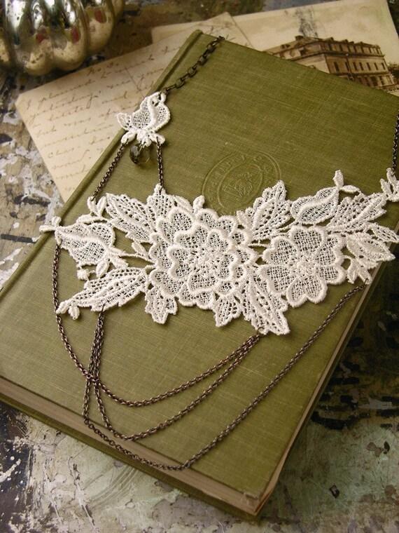 elsa lace necklace