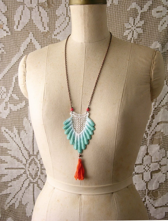 lace necklace -DELPHINIA- turquoise ombre