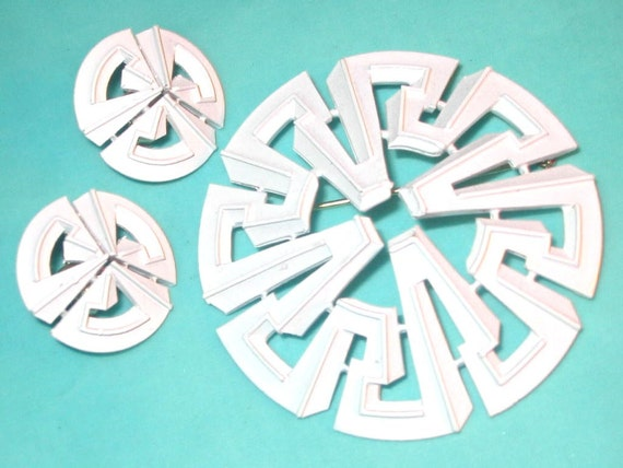 Vintage MOD White Enamel and Metal Geometric Pin and Earrings Signed Trifari