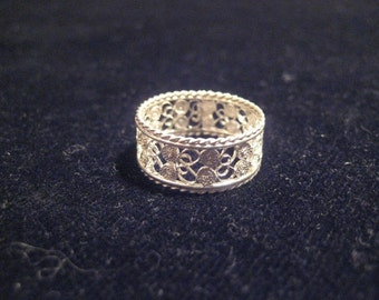 Filigree Fascione Ring