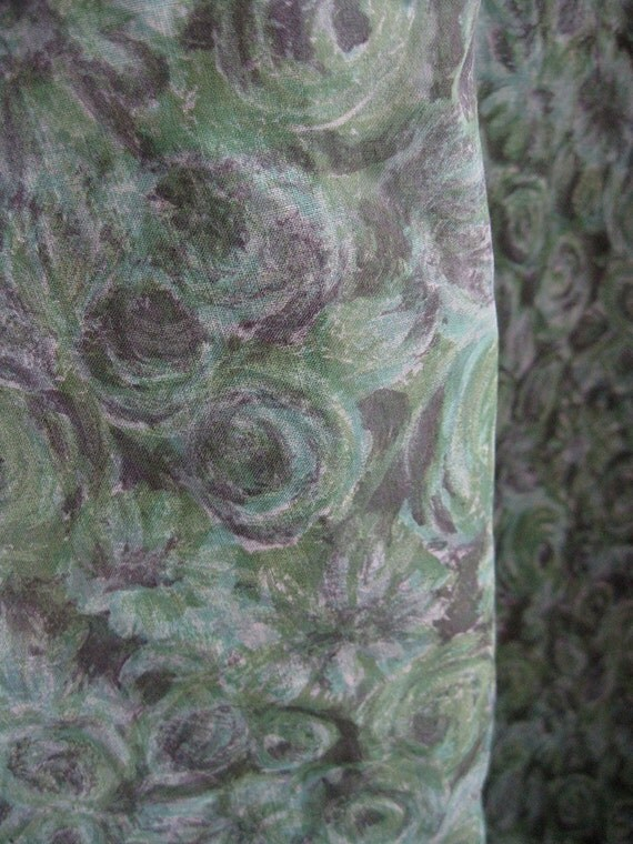 2.33 Yds Green and Gray Floral Vintage Watercolor Print Fabric