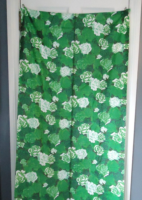 vintage 50s fabric - watercolor floral - cotton sateen - Party Dress fabric - green painterly floral