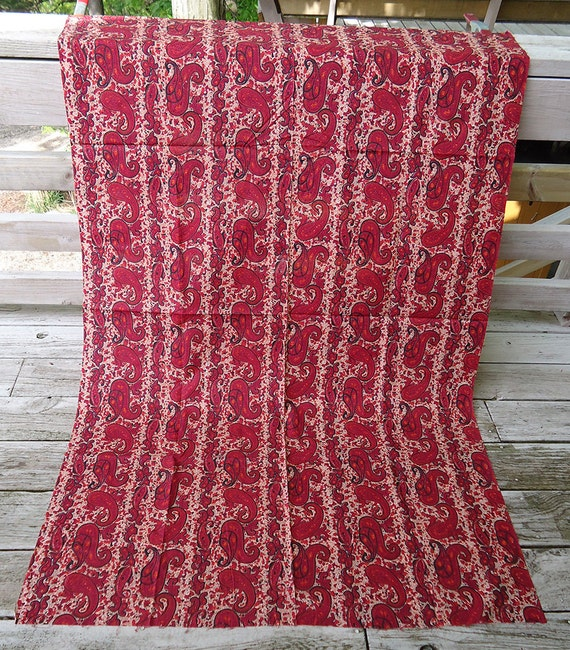 vintage fabric 60s - crimson red paisley - cotton fabric