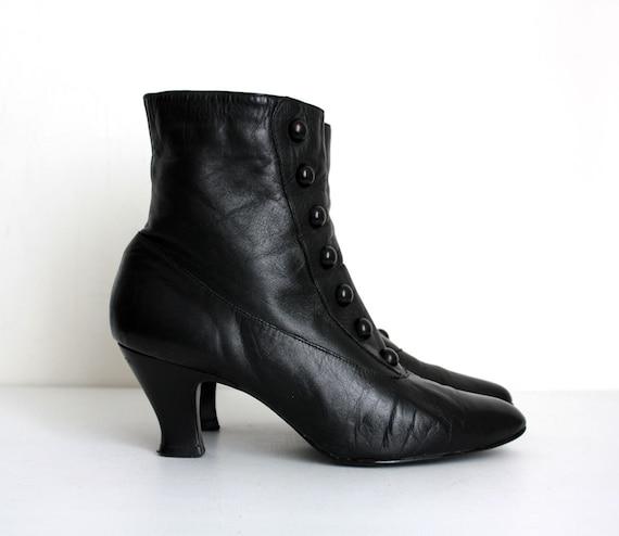 BLACK ANKLE BOOTS 1980s Vintage Black Leather Victorian Granny Button Boots Sz  9 1/2