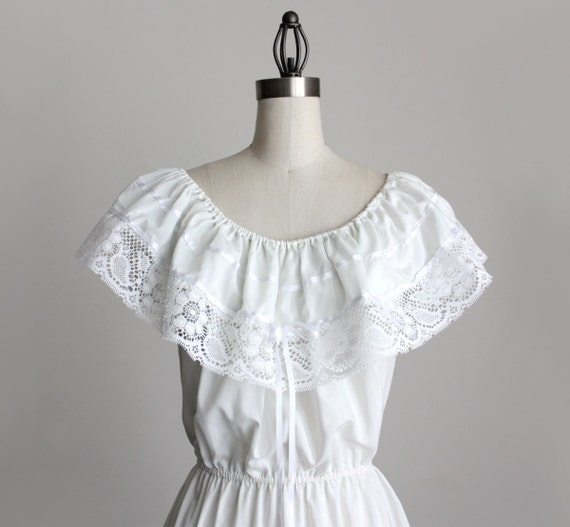 VINTAGE WHITE DRESS 1980s Vintage Ivory White Mexican Folk Ruffle Lace Sun Dress