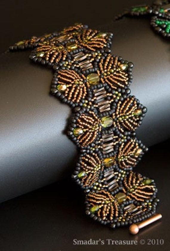 Beaded Bracelet in Dark Amber, Black and Olive Green, Feather / Fern Shaped Pattern. Beadwoven Bracelet. Wide Bracelet. S124
