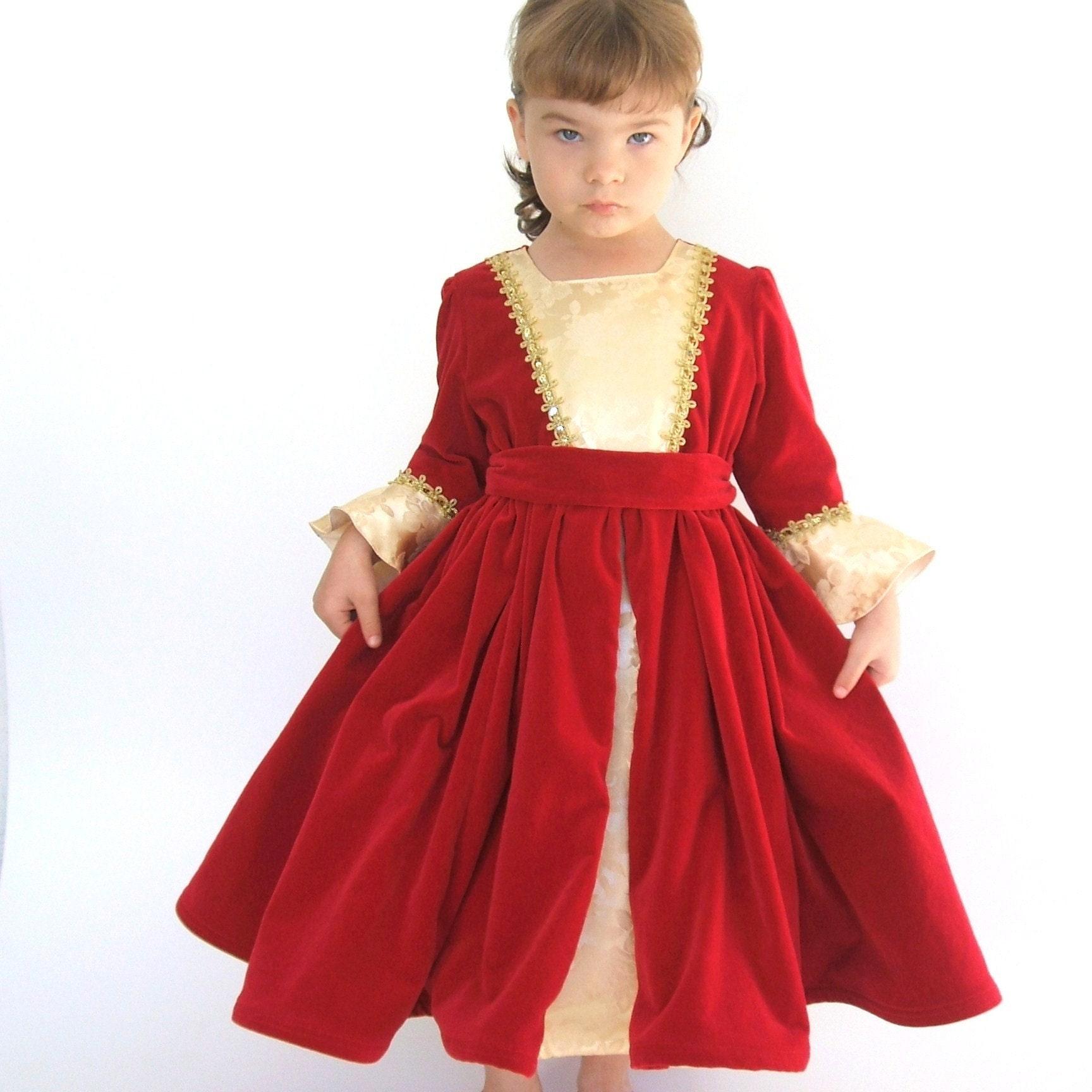 Beautiful Belle Christmas Dress Boutique Sample size 4/5
