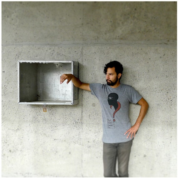 SALE - To Catch a Thief - mens tshirt - XL - Les Vampires screenprint on American Apparel heather gray mens fashion tees